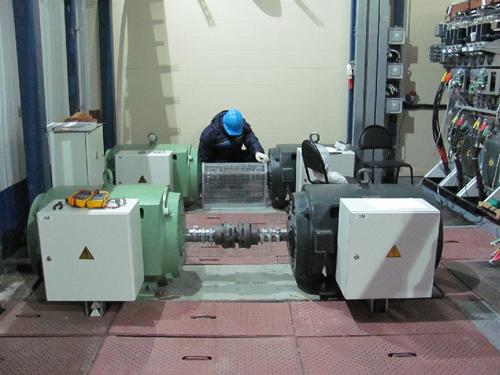 Испытательный стенд для проверки частотных преобразователей и двигателей на сборочном производстве